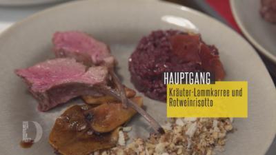 Rezept: Kräuter-Lammkarree und Rotweinrisotto mit Balsamicobirnen und Pilz-Knusper