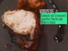 Seeteufel im Entenconfit mit roter und gelber Paprika, Knoblauchpüree, frittierte Avocado - Rezept - Bild Nr. 2