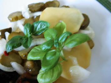 Kartoffelsalat mit Gewürzgurke - Rezept - Bild Nr. 5759