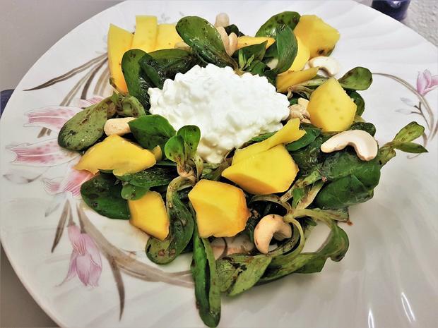 Feldsalat / Nüsslisalat (schweiz.) mit Mango - Rezept - Bild Nr. 5778