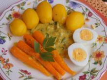 Kartoffeln mit Snack-Möhren in pikanter Sauce und Ei - Rezept - Bild Nr. 5823