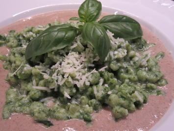 Pasta: Kartoffel-Spinat-Spätzle auf Steinpilzschaum - Rezept - Bild Nr. 5823