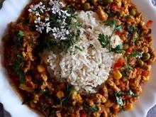 orientalisch gewürzte Sojahack-Pfanne mit Gemüse dazu Jeera-Reis - Rezept - Bild Nr. 2
