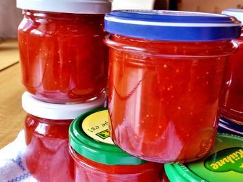Rezept: Konfitüre von Rhabarber mit Erdbeeren und Vanille