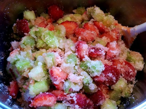Konfitüre von Rhabarber mit Erdbeeren und Vanille - Rezept - Bild Nr. 5903