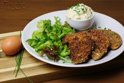 Rezept: Sellerie-Sesam-Schnitzel mit Eierdipp