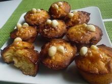 Macadamia-Muffins mit weißer Schokolade und Salzkaramell - Rezept - Bild Nr. 5911