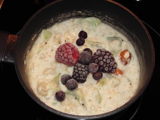 Porridge / Haferbrei mit Mandeln und Früchten - Rezept - Bild Nr. 3