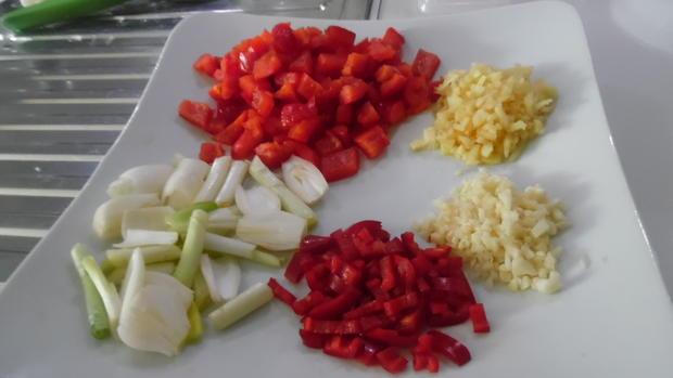 Fisch-Kokos-Curry (scharf) mit Jasminreis und Chapati - Rezept - Bild Nr. 5977