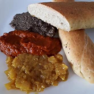 WM-Snack: Grissini spessi mit dreierlei Dips in schwarz-rot-gold vegan - Rezept - Bild Nr. 5998