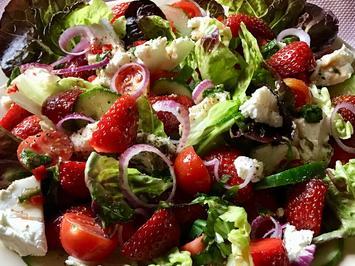 Rezept: Gemischter Erdbeer-Salat