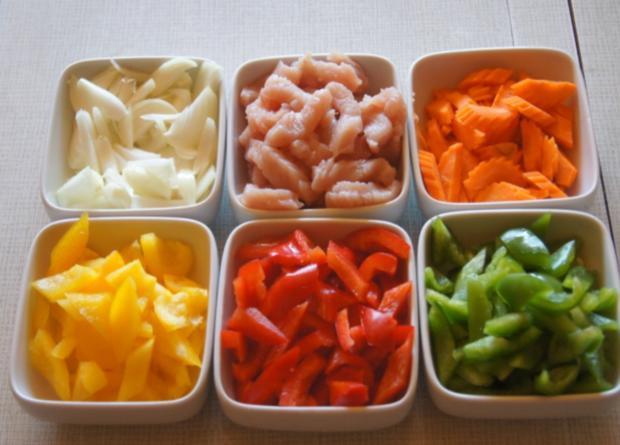 Thailändisches rotes Curry mit gelben Basmati Reis - Rezept - Bild Nr. 6041
