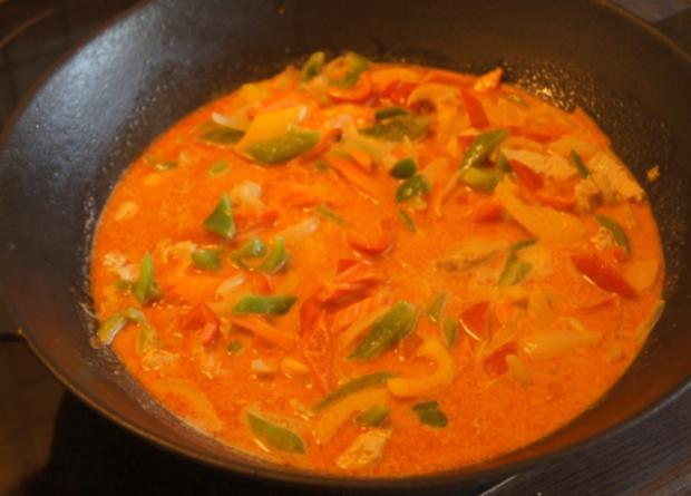 Thailändisches rotes Curry mit gelben Basmati Reis - Rezept - Bild Nr. 6049
