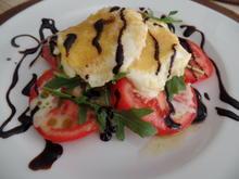 Knusper-Mozzarella auf Tomaten und Rucola - Rezept - Bild Nr. 6037