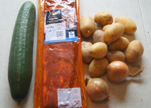 Spare Ribs mit Gurkensalat und gelben Zwiebel-Kartoffelstampf - Rezept - Bild Nr. 6052