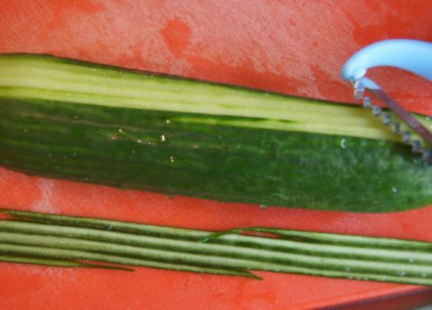 Spare Ribs mit Gurkensalat und gelben Zwiebel-Kartoffelstampf - Rezept - Bild Nr. 6055