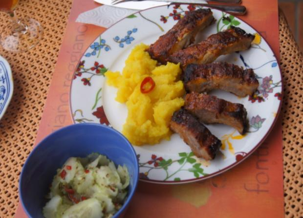 Spare Ribs mit Gurkensalat und gelben Zwiebel-Kartoffelstampf - Rezept - Bild Nr. 6063