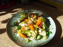Ein bunter erfrischender Salat - Rezept - Bild Nr. 6051