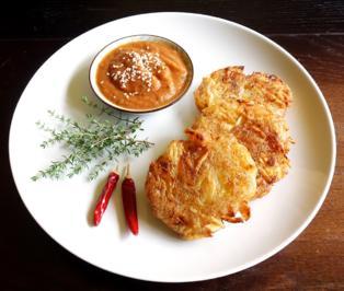 Rezept: Kartoffelpuffer mit feuriger Apfel-Zwiebel-Sauce