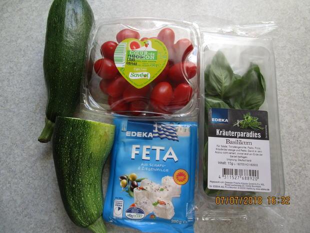 Die nächste Vitaminbombe mit Zucchini, Tomaten und Feta-Käse - Rezept - Bild Nr. 6061