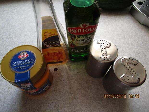 Die nächste Vitaminbombe mit Zucchini, Tomaten und Feta-Käse - Rezept - Bild Nr. 6062