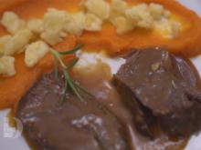 Geschmorte Rinderbacke in Madeirasoße mit Topfenspätzle und Karottenpüree - Rezept - Bild Nr. 2