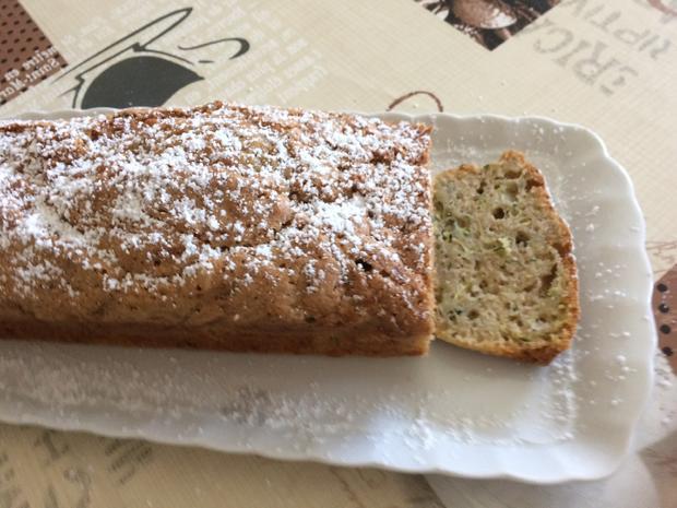 Saftiger Zucchinikuchen Rezept Mit Bild Kochbar De
