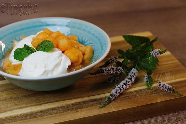 Marinierte Melone an Joghurt-Sahne-Eis - HERRLICH- - Rezept - Bild Nr. 6096