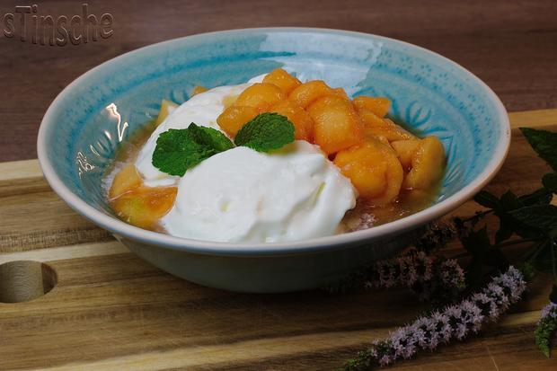 Marinierte Melone an Joghurt-Sahne-Eis - HERRLICH- - Rezept - Bild Nr. 6097