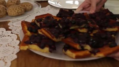 Rezept: schneller Heidelbeer-Becherkuchen vom Blech