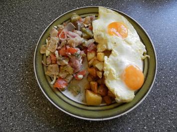 Rezept: Matjessalat mit Bratkartoffeln und Spiegelei