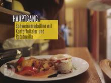 Schweinemedaillons mit Tomate und Zucchini überbacken - Rezept - Bild Nr. 3