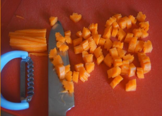 Herzhafte Buletten mit pikanter Sauce, Möhren-Mais-Gemüse und Kurkuma-Kartoffeln - Rezept - Bild Nr. 6239