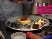 Duett vom Cheesecake mit Erdbeerspiegel und frischen Beeren - Rezept - Bild Nr. 2