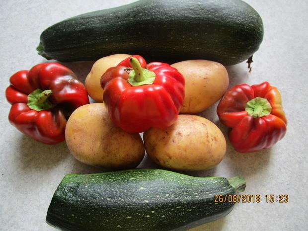 hackauflauf aus: zucchini, paprika, tomaten und kartoffeln - Rezept - Bild Nr. 6243