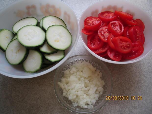 hackauflauf aus: zucchini, paprika, tomaten und kartoffeln - Rezept - Bild Nr. 6248