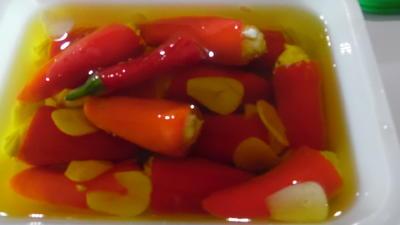 Rezept: Snack-Paprika mit Frischkäse-Füllung in Öl