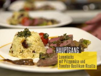 Rezept: Lammlachse mit Kräuterkruste, Pilzgemüse und Tomaten-Basilikum-Risotto