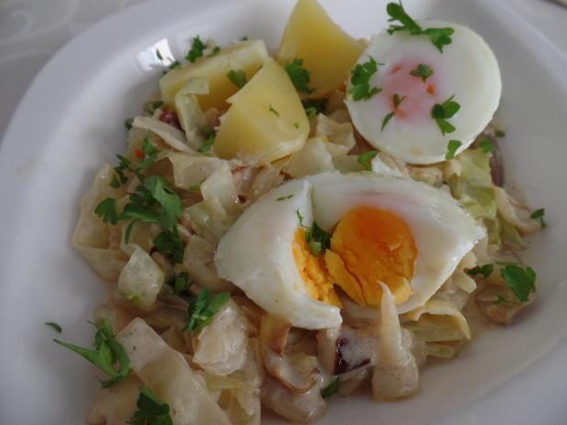Eier auf  Spitzkohl-Senf-Rahm - Rezept - Bild Nr. 6245