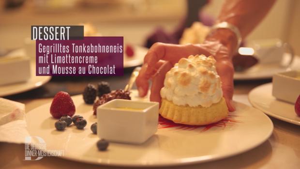 Gegrilltes Tonkabohneneis mit Limettencreme, Mousse au chocolate und Beerenspiegel - Rezept - Bild Nr. 2