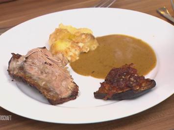 Rezept: Kalbsbrust mit Kartoffelgratin und überbackener Aubergine