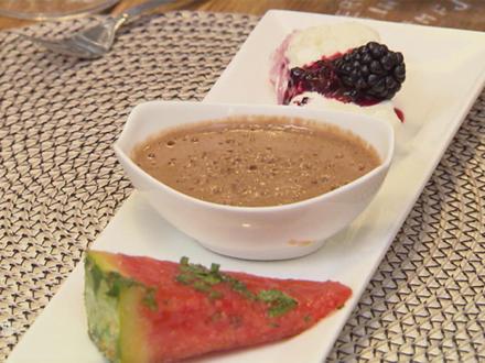 Belgisches Mousse au chocolat (Familienrezept) und Baiser Parfait mit Brombeeren - Rezept - Bild Nr. 2