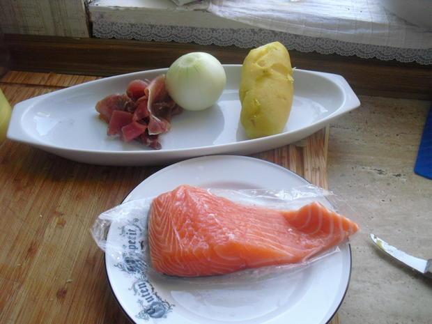 Fischer Lachs (mit Haut) an Zucchini Spagetti und Dip - Rezept - Bild Nr. 6288