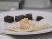 Walnuss Mousse in der Hippe und Espresso Gelee mit Kokos-Sauce - Rezept - Bild Nr. 6326