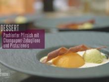 Champagner-Zabaglione mit pochiertem Pfirsich, Pistazieneis und Schokoladenhippe - Rezept - Bild Nr. 2