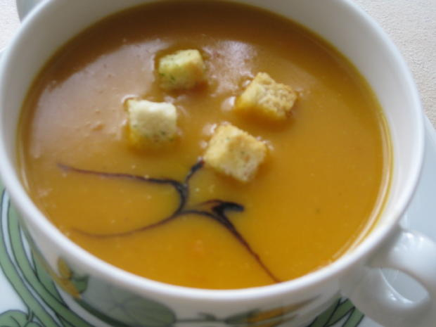 Kürbiscreme-Suppe vom Butternut-Kürbis - Rezept - Bild Nr. 6392