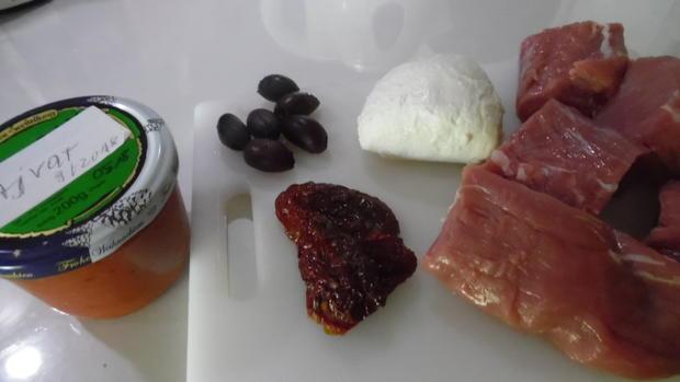 Schweinefilet-Röllchen, Spinat-Gorgonzolasoße und Gnocchi - Rezept - Bild Nr. 6398