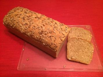 Rezept: Dinkel-Körner-Brot mit 2 Dinkelmehlsorten
