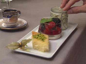 Herrencreme, Grießkuchen und Beerensalat - Rezept - Bild Nr. 2