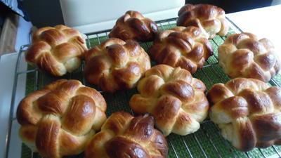 Geflochtene Milchbrötchen - Rezept - Bild Nr. 6515